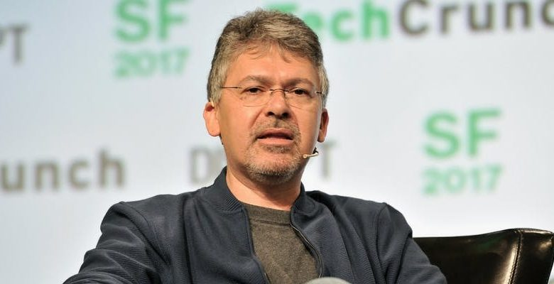 John Giannandrea Now In Charge of Bringing AI Gaming of Apple back on Track