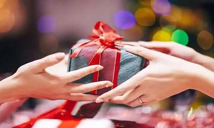 Best 4 Friendship Day Gift Ideas For Gifting Your Friends